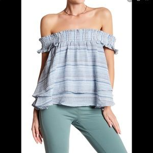 ✨JUST IN✨Striped Off-The-Shoulder Blouse
